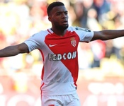 Arsenal up bid for Monaco's Lemar; Barcelona still want Coutinho